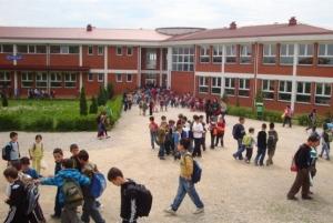 MAShT: Nafta në shkolla nuk është kancerogjene