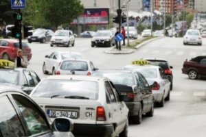Në arkën e shtetit miliona euro nga veturat