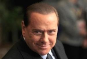 Dy vjet ndalim postesh publike për Berlusconin