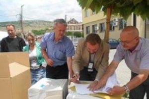 UNMIK-u ndihmon Zyrën për Komunitete në Hoçë të Madhe