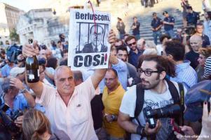 Entuziazëm dhe zemërim pas dënimit të Berlusconit