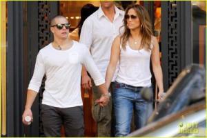 J. Lo ndëshkon Casper-in, i nxorri sekretin…