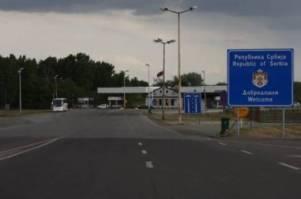 Serbia plaçkitë kosovarët në kufirin me Hungarinë