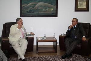 Ministri Buja priti në takim një delegacion nga Universiteti Maharishi