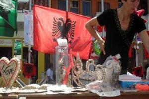 Imitimet e lira kineze shkatërrojnë tregun e artizanaleve