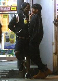 """Rihanna i thotë stop """"beqarisë""""? (FOTO)"""