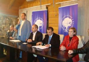 Partia Konservatore  aftëson vëzhguesit  për ruajtjen e votave