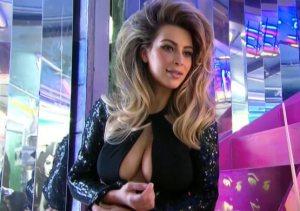 Kimi spikat në kartolinën e familjes Kardashian