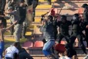 Rrahje masive në derbin Cervena Zvezda-Partizani