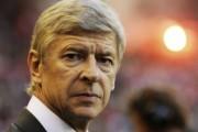 Wenger takohet me Presidentin e PSG-së