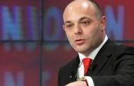 Trondit Blendi Fevziu: Po bëhet biznes me ndihma në Durrës, batanijet po shitën nga 5 mijë lekë
