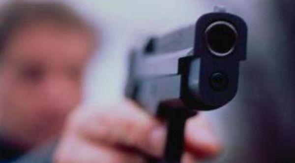 Nxënësi shkon me armë në shkollë në Suharekë