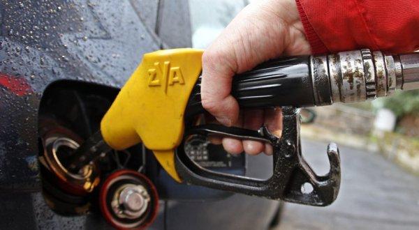 Ish-ministrja Bajrami e quan të kundërligjshëm kontrollin e naftës nga operatorët privatë