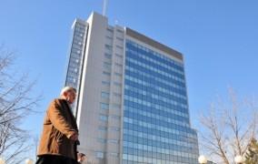Kosova rrezikon të falimentojë si Greqia