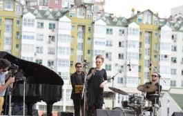 """Rona Nishliu, sot premierën e """"Me motive tonat"""" (Video)"""