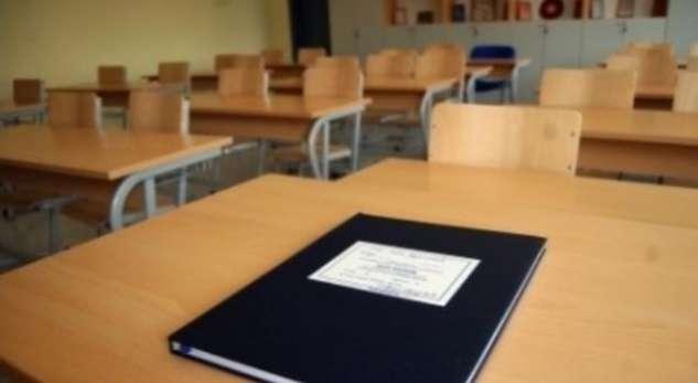 Diskutohet kompensimi i orëve të humbura të mësimit