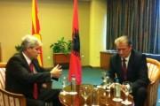 Berisha lavdëron Ali Ahmetin, thotë se po vepron si Kryeministër