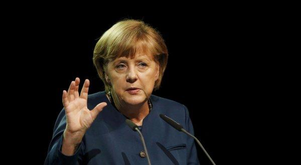 """Merkel: Inkurajojmë marrëveshjen për Brexit, por """"djalli fshihet në detaje"""""""