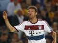 Tri klube angleze pas Mullerit