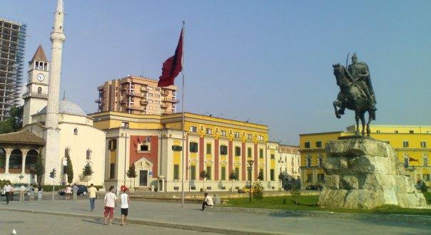Shqipëria bën përparim në luftën kundër korrupsionit