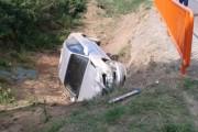 Rrokulliset një veturë në Suharekë, lëndohen katër femra
