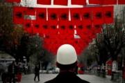 Kosova mbulohet me flamuj për Isa Boletinin