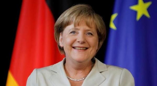 Kryengritje pa precedent kundër Angela Merkel-it