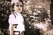 Ky fëmijë me kostum popullor sot është një reper i njohur