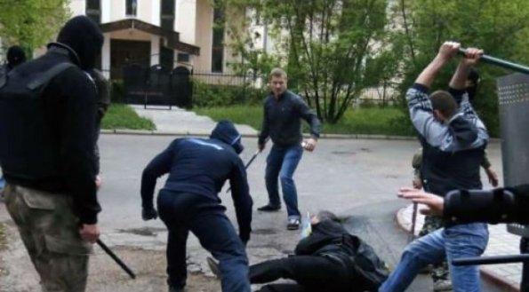 Me shqelma e boksa, burra e gra rrihen për pronë në Rahovec