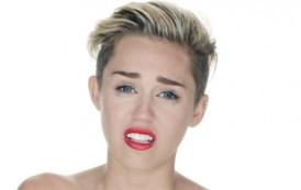 Miley Cyrus është panseksuale