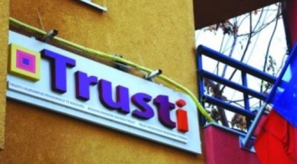 Super pagat e menaxherëve të Trustit