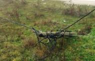 """Shtylla e rrëzuar elektrike po rrezikon jetën e banorëve të lagjes """" Zhuri i ri"""""""