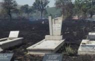 Digjen varrezat e fshatit Panorc në Malishevë (Foto)