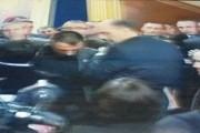 Përplasen opozita me sigurimin, sërish gaz lotsjellës