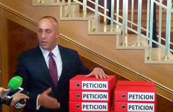 Pushtetarëve u ka hyrë frika në palcë nga peticioni