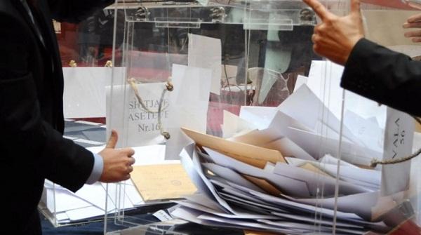 AKP shpall shitjen e 137 aseteve