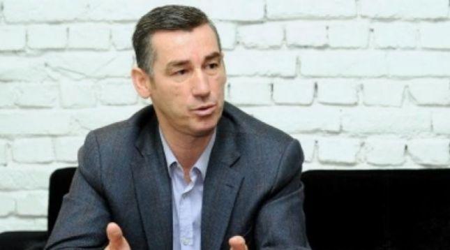Kadri Veseli thur elozhe për Adem Mikullovcin