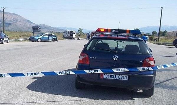 Dy të vdekur e dy të plagosur në një aksident te Mali i Robit në Golem