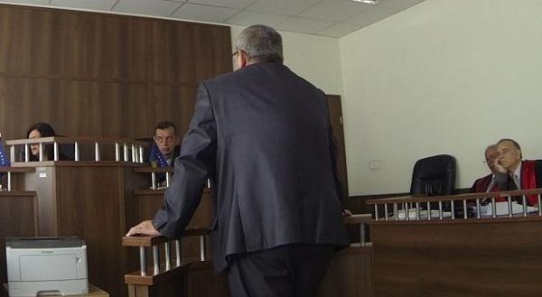 Prokurori tërhiqet nga njëra pikë e aktakuzës ndaj ish-drejtorit të Arsimit në Prizren