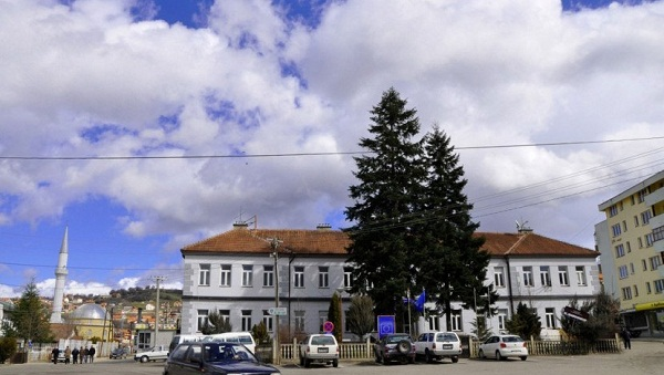 Konkursi për mësimdhënëse në Dragash – Raportohet për nepotizëm