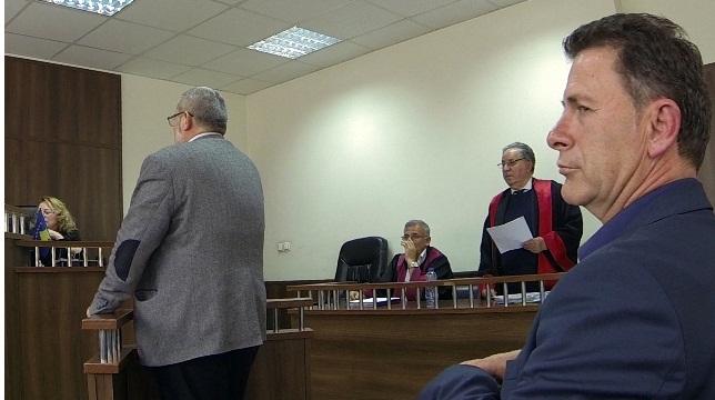 Nexhat Çoçaj e Shaip Buduri, lirohen nga akuza për punësimin e Besnik Krasnqit