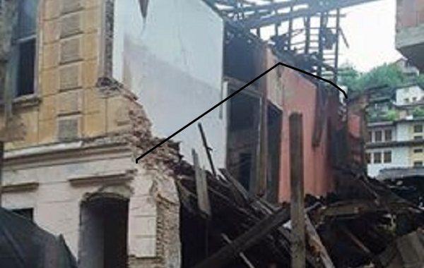 Kallëzim penal kundër të dyshuarve për rrënimin e shtëpisë monument në Prizren