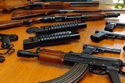 Policia konfiskon armë dhe arreston një person në Prizren