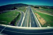 """Hajnat vjedhin përforcues të shtyllave mbrojtëse në autostradën """"Ibrahim Rugova"""" në Prizren"""