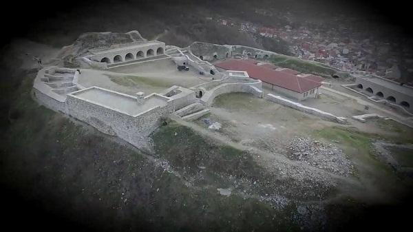 Kërkohet rindërtimi i xhamisë në Kalanë e Prizrenit (Video)