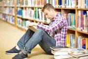 """Interneti i ka """"zënë frymën"""" librit"""