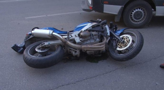 Dënohet me kusht i akuzuari që pranoi se me motoçikletë goditi këmbësorin në Rahovec
