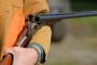 4-vjeçari e vret nënën me pushkë gjuetie