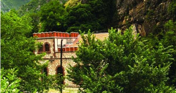 Prizren/   Hidrocentralet dëmtojnë Luginën e Lumëbardhit