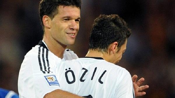 Mesut Ozil ende s'ka vendosur për të ardhmen